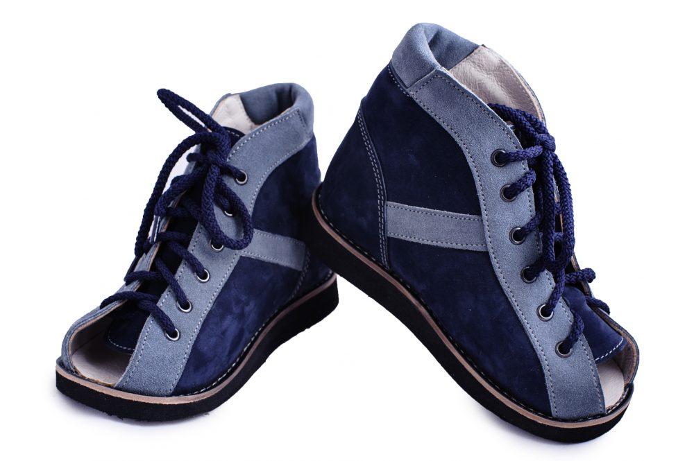 Босоножки на шнуровке (модель 52)https://tellus.od.ua/wp-content/uploads/SVP_0148-e1540291824205.jpg