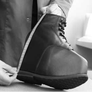 Ортопедическая обувь при сложных деформациях и укорочениях